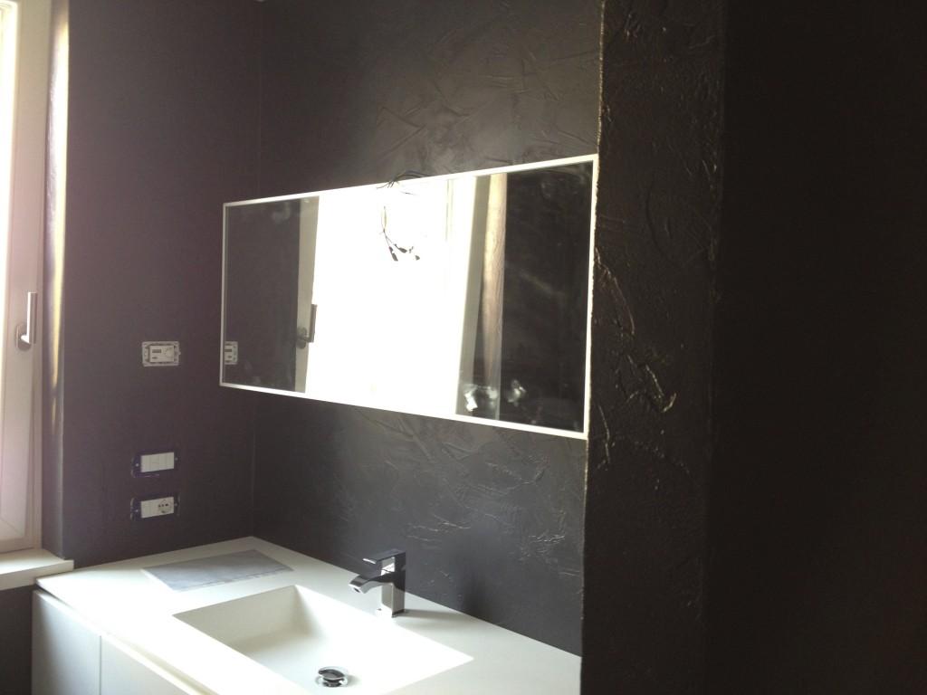 Pavimenti in resina milano liso contattaci prezzi onesti - Coprire piastrelle bagno resina ...