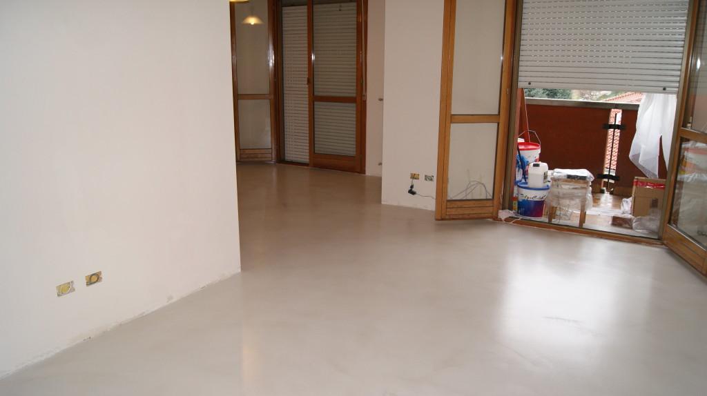 Pavimenti in resina costi excellent costo posa piastrelle - Piastrelle costo al mq ...