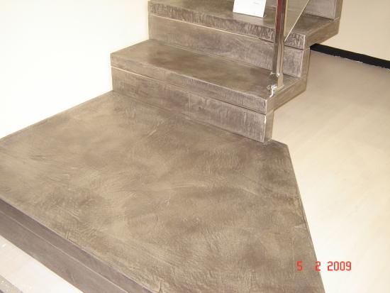 Scala in resina imbianchino stucco veneziano imbiancatura